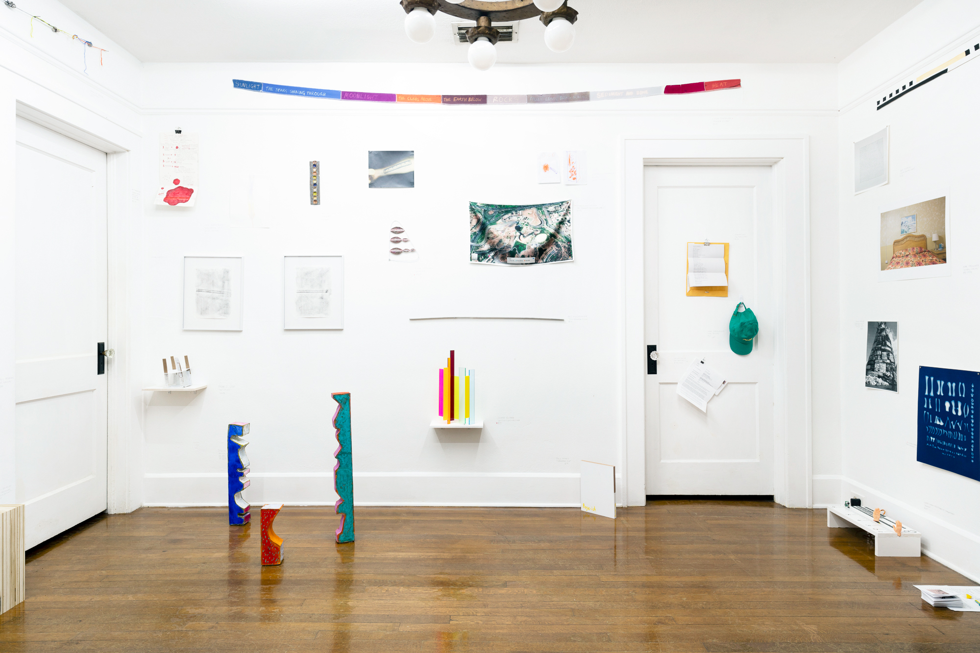 Vita criticata, 2019 Embroidered patch on cotton twill ball cap Installation view, Rulers, Coco Hunday, Jun–Aug 2019 (on the gallerist's bedroom door) Photo by Pat Blocher